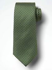 BANANA REPUBLIC Geo Triangle Silk Nanotex Tie in Iguana Geen 2017 Line $50 NWT