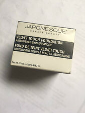 JAPONESQUE VELVET TOUCH FOUNDATION SHADE 03(MEDIUM/ LIGHT)NEW AND BOXED 19g