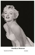 MARILYN MONROE - Film star Pin Up PHOTO POSTCARD - 201-602 Swiftsure Postcard
