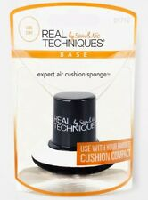REAL TECHNIQUES Base Expert Air Cushion Sponge Black and White
