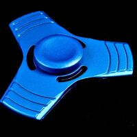 1 x Finger Hand Fidget Spinner 100% Metall blue Präzisions Kugellager Top Spin 4
