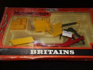 BRITAIN'S VINTAGE FRONT END LOADER 9574