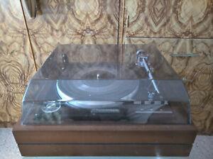 Turntable- Garrard vintage 80's model.