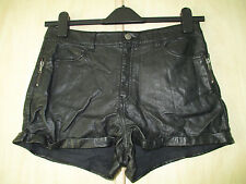 ladies H&M BLACK PVC FAUX LEATHER SHORTS / HOTPANTS UK SIZE 10