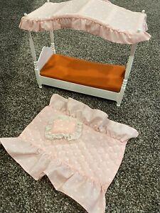 Vintage1982 Barbie Doll Canopy Bed Excellent Shape