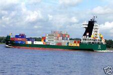 """Echtfoto, Containerschiff """"Iduna"""", auf der Elbe, 2010"""