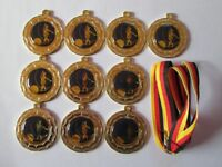 10 Bowling-Medaillen mit blauen Emblemen und Deutschland-Bändern