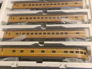 NEW MTH 20-6523. 70' Scale Union Pacific Streamlined 5-car Passenger set NIB