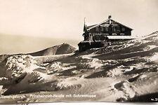 17989 Foto AK Prinz Heinrich Baude mit Schneekoppe im Riesengebirge Winter 1929