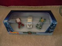VINTAGE HOT ROD  - Hot Wheels 2000 Set of 3 Special Edition Die Cast Cars in box