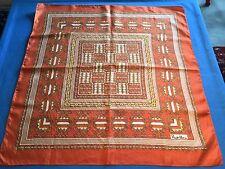 Joli foulard ancien, vintage, en soie, forme carré