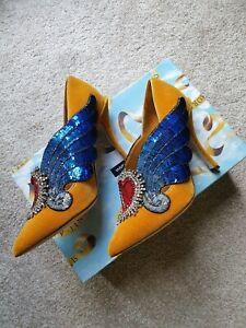 Dolce and Gabbana Embellished Velvet Court Shoes UK Size 6 EUR 39