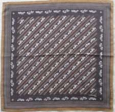 7992cd63057e -Foulard LANCEL Paris soie TBEG vintage scarf 69 x 70 cm