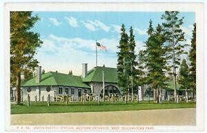 Postcard - Yellowstone National Park Union Pacific Railroad Station - C. 1920