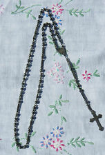 A DELICATE SILVER COLOURED / WHITE METAL ROSARY WITH NO APPARENT MARKS - IHS