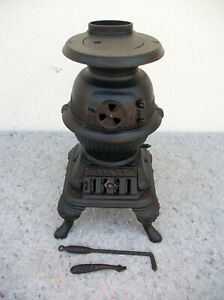 """Vintage Spark Salesman Sample Pot Belly Stove Grey Iron Casting Co. 13"""" Tall"""