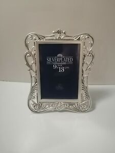 """Vintage Look Silver Plated Photo Frame 5.5"""" X 6.7"""" Hand Polished Lacquer Coated"""