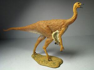 2016 NEW Collecta Dinosaur Toy / Figure Struthiomimus