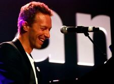 Chris Martin UNSIGNED photo - K7325 - Lead singer of the rock band Coldplay