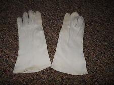 Vintage Women's Ivory Stretch Gloves