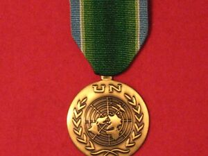 FULL SIZE UNITED NATIONS  INDIA PAKISTAN MEDAL WITH RIBBON IN MINT CONDITION