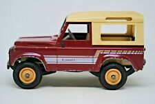 1:32 Britains 9512 LAND ROVER DEFENDER 90 Farm COUNTY Vehicle w/ Old Type Wheels