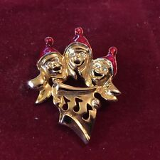Christmas Carolers Golden Pin
