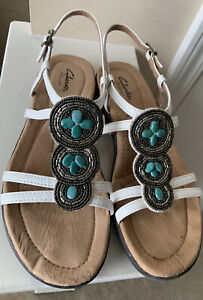 Clarks Artisan Womens White Teal Leather Sandal W/ Leather Sz 7.5 NEVER WORN