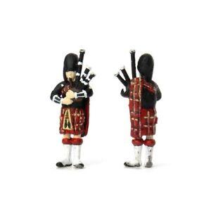 OSBF067 OO Gauge Scottish Piper Figure (unpainted)