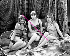 CAROLE LOMBARD WITH 2 OTHER MACK SENNETT BEAUTIES 1920s 8X10 PHOTO A-CL56