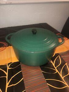 Vintage COUSANCES / LE CREUSET Size 22 Green Cast Iron Round Casserole Dish Pot