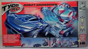 TYCO 2002 R/C ROBOT SHOWDOWN REMOTE CONTROL CAR vs TRACKING ROBOT MIP UNUSED