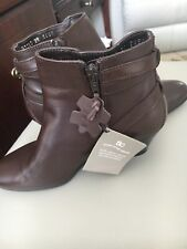 ladies brown leather boots size 3