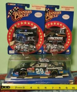ACTION WINNERS CIRCLE 2002 NASCAR KEVIN HARVICK # 29 E.T Toy's R US 1:24 # 16222