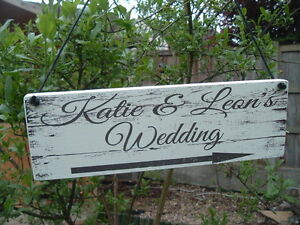 Rustic Wedding This Way Sign Wooden Arrow Personalised Wedding Decoration plaque