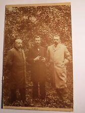 Martin & Fritz & Karl Lindner - 1901 als Männer im Garten / KAB