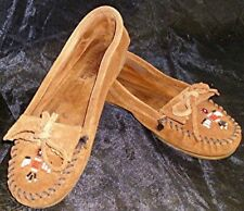 PR MINNETONKA LT BROWN SUEDE HARD SOLE MOCCASIN SHOES BEAD THUNDERBIRD Sz 9