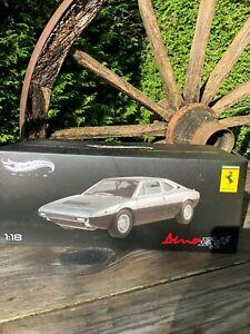 Silber-schwarzer Ferrari Dino 308 gt4 Hot-Wheels Elite 1/18 in OVP Top-Zustand