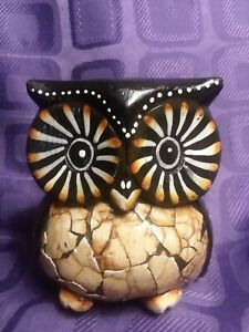 Vintage Wooden Owl Figurine. Hand Painted. ADORABLE.