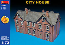 MiniArt 1/72 72030 City House (Multi Colored Kit, WWII Military Diorama)