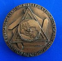 #0250# Médaille Ligue Française de l'Enseignement et de l'Education Permanente