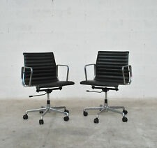 pair of Aluminium chairs EA 117 by Charles & Ray Eames for ICF 80s