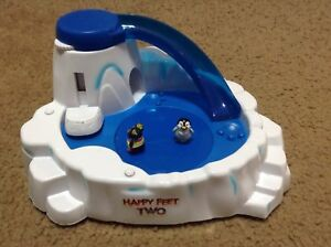 New Happy Feet Two Penguin Pets Musical Dance Playset With One Penguin Pet