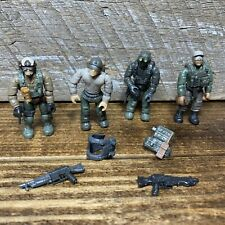 Lot of 4 Call of Duty Mega Bloks Mini Figures With Weapons Backpacks