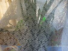 rideau,porte fenétre 1m,60x0,90 +tringles extensibles===les roses
