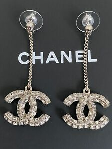 NIB Chanel Iconic Large CC Logo Crystal Chain Charm Silver Tone Drop Earrings