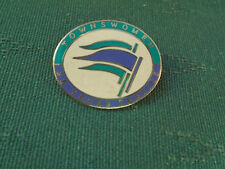 NATIONAL TOWNSWOMENS GUILD - 25 YEARS SERVICE ENAMEL PIN BADGE