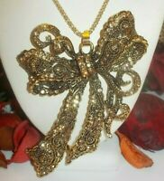 BETSEY JOHNSON BEAUTIFUL LARGE GOLDEN CRYSTAL FANCY BOW PENDANT NECKLACE