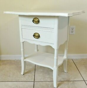 Beautiful Antique/Vtg Ornate White Solid Wood Side/End Accent Table w/ 2 Drawers