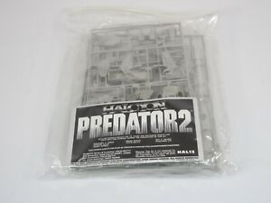 Halcyon Model Movie Classics Predator 2 Creature Model Kit HAL13 - Parts